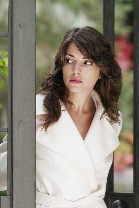 Mariella (Bianca Hein) wird fast wahnsinnig vor Angst, als Lars sie warten lässt. - Bildquelle: Noreen Flynn Sat.1