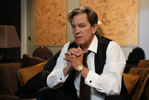 Julius (Günter Barton) ist verzweifelt: der Krieg scheint verloren ... - Bild...