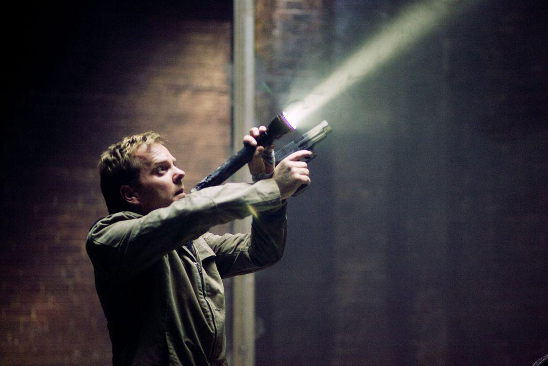 Als Nachtwächter in einer ehemaligen Luxus-Shopping-Mall muss sich der Ex-Polizist Ben Carson (Kiefer Sutherland) nicht nur den Dämonen seiner eigen... - Bildquelle: 2007 Regency Enterprises, New Regency Pictures