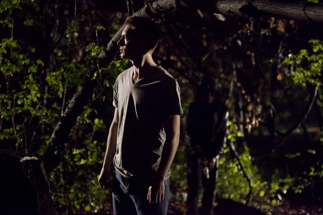 Als der homosexuelle John Chenoweth (David Kinsman) eines Nachts nichtahnend einen Park in Minneapolis durchquert, wird er heimtückisch angegriffen... - Bildquelle: Darren Goldstein Cineflix 2011