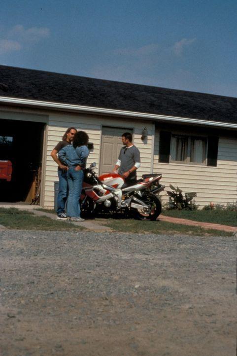 Das FBI hat alle Hände voll zu tun, um drei Killer zur Strecke zu bringen, deren Ausbildung im Strafvollzug sie zu cleveren, beinahe perfekten Verbr... - Bildquelle: New Dominion Pictures, LLC
