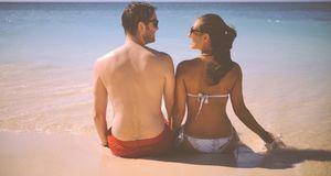 Leicht bekleidet kann einen die Lust am Strand schnell überkommen.