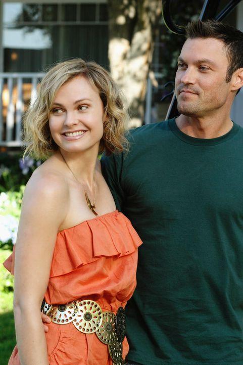 Noch sind Stephanie (Annie Little, l.) und Keith (Brian Austin Green, r.) glücklich miteinander ... - Bildquelle: ABC Studios