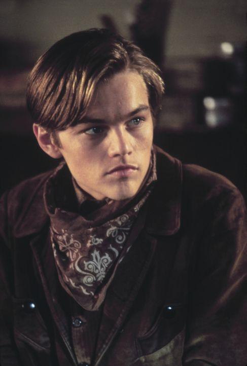 Kid (Leonardo DiCaprio) meldet sich zu dem Schießwettbewerb in Redemption an, um endlich mit seinem verhassten Vater abrechnen zu können ... - Bildquelle: Columbia TriStar Film