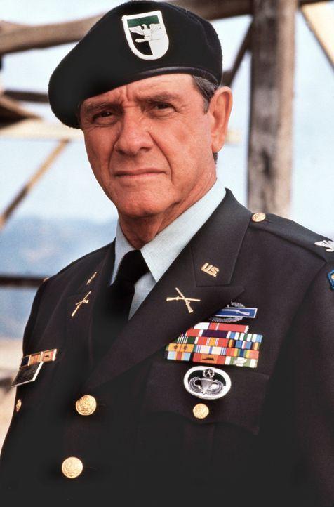Der vertrottelte Benson (Lloyd Bridges) will Topper bei der Befreiungsaktion unterstützen ... - Bildquelle: 20th Century Fox Film Corporation