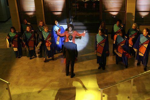 Eli Stone - Ein Gospel-Chor auf Hawaii: Elis (Jonny Lee Miller, vorne M.) Vis...