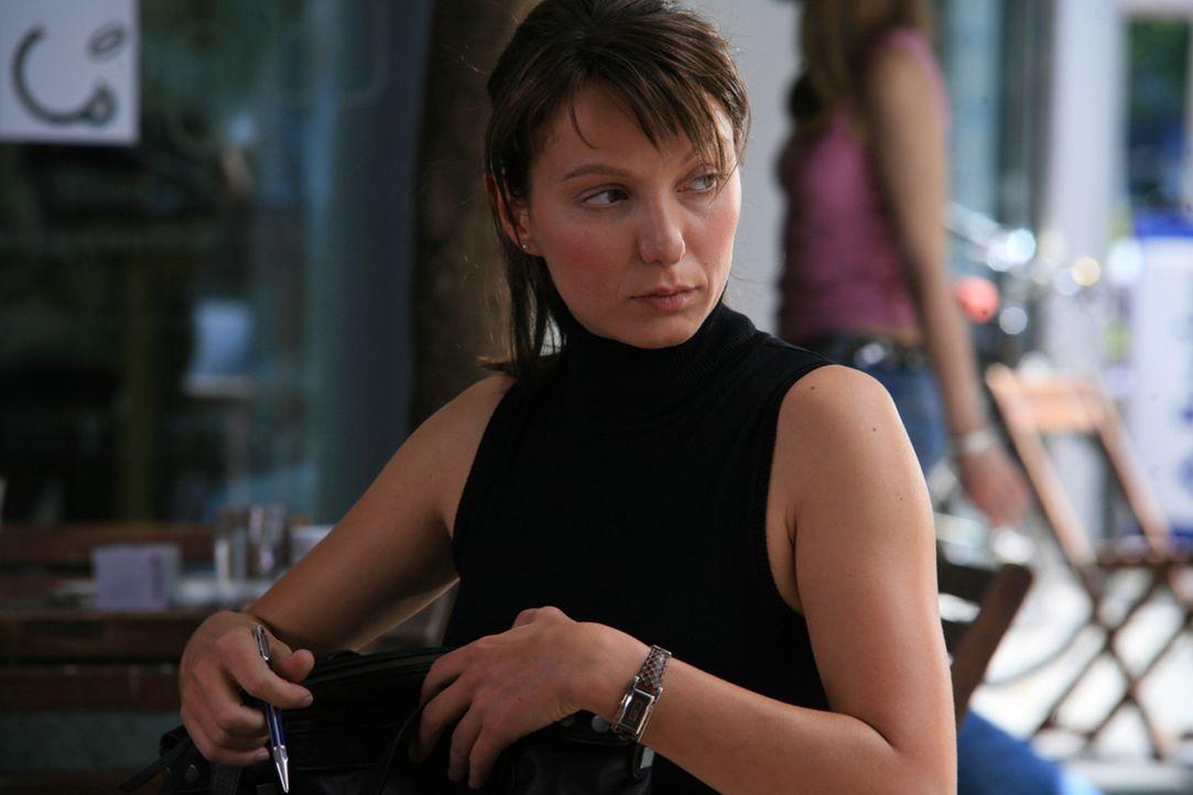 Als die Juristin Maja Berger (Julia Koschitz) aus einer renommierten Anwaltskanzlei rausfliegt, steht für sie sofort fest, dass das der Kündigungs... - Bildquelle: Volker Roloff ProSieben