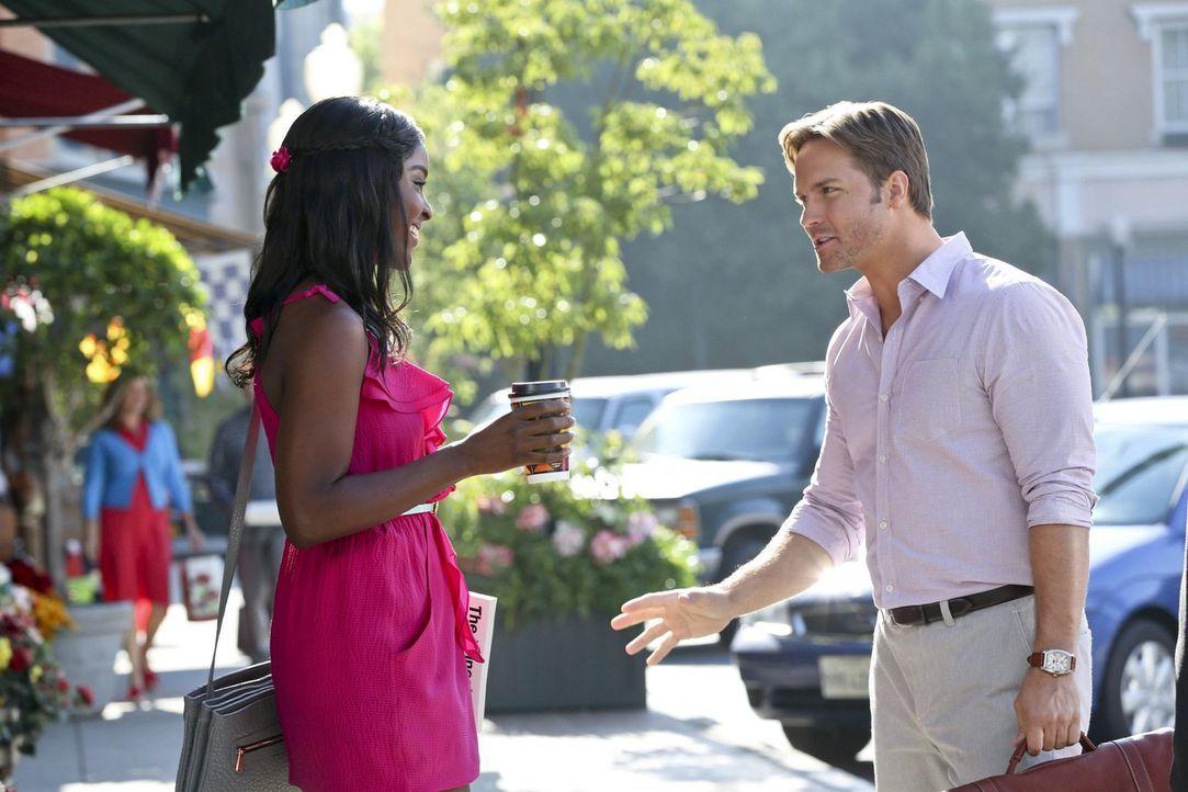 Lynly (Antoinette Robertson, l.) hat sich geschworen, dass sie George (Scott Porter, l.) nicht kampflos aufgeben will ... - Bildquelle: Warner Brothers