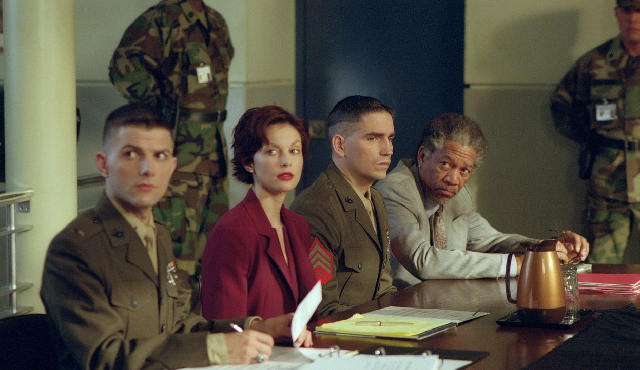 Was ist Wahrheit, was ist Lüge? (v.l.n.r.) Leutnant Embry (Adam Scott), Claire (Ashley Judd), Tom (James Caviezel) und Charles Grimes (Morgan Freema... - Bildquelle: 20th Century Fox Film Corporation