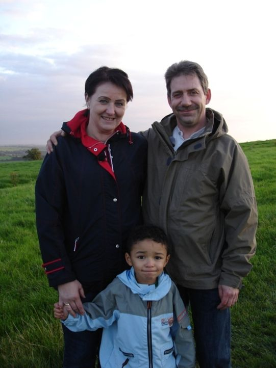 Hoffen auf eine bessere Zukunft in Irland: Familie Murawski-Nowak ... - Bildquelle: kabel eins