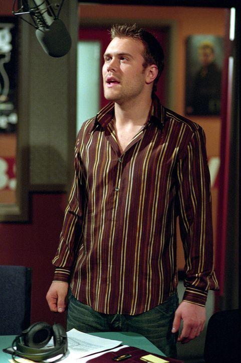 Der Rockstar Daniel Bedingfield (Daniel Bedingfield) hat einen Auftritt in Roxies Musiksendung ... - Bildquelle: Paramount Pictures