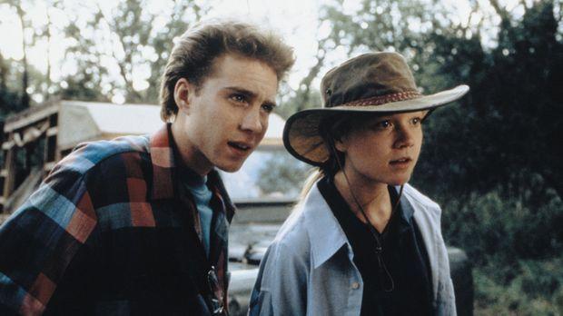 Die beiden Teenager Rand (Jonathan Brandis, l.) und Val (Ariana Richards, r.)...