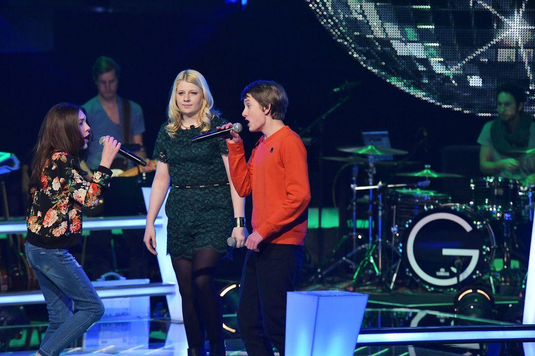 The-Voice-Kids-Stf03-Epi06-Auftritte-18-Rika-Tilman-Paulina-SAT1-Andre-Kowalski - Bildquelle: SAT.1/Andre Kowalski