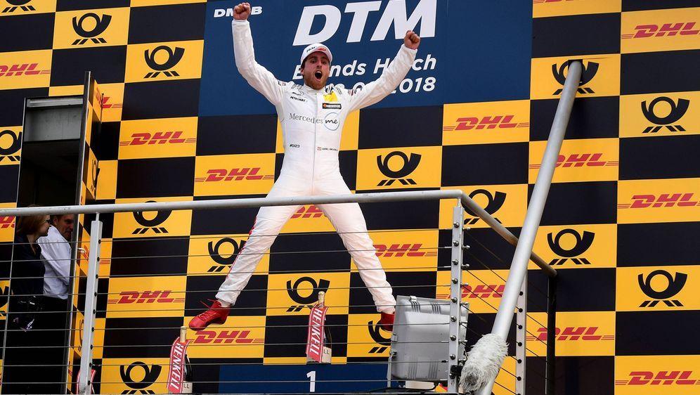 Endlich auf Platz 1: Daniel Juncadella feiert seinen ersten DTM-Sieg - Bildquelle: imago/Pakusch