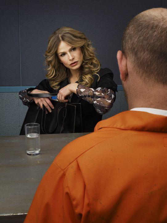 (2. Staffel) - Ist bekannt durch ihren unnachahmlichen Verhörstil: Deputy Chief Brenda Leigh Johnson (Kyra Sedgwick, l.) ... - Bildquelle: Warner Brothers