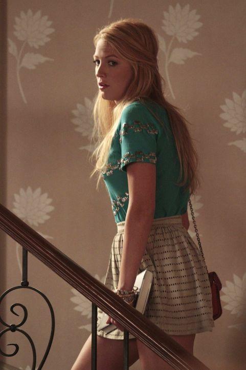 Jane setzt Serena (Blake Lively) darauf an, sich von Dan die Filmrechte für dessen Buch zu sichern. Dan ist der Idee gegenüber zunächst aufgeschloss... - Bildquelle: Warner Bros. Television