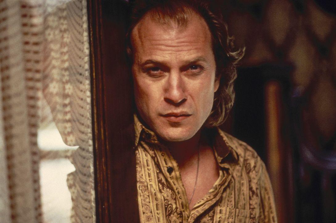 """Kleider machen Leute: """"Buffalo Bill"""" (Ted Levine) fühlt sich nicht wohl in seiner Haut ... - Bildquelle: Orion Pictures Corporation"""
