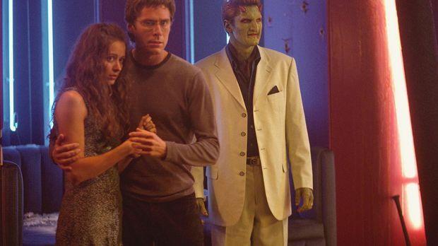 Noch bevor Gunn seine Freunde Wesley (Alexis Denisof, M.), Fred (Amy Acker, l...
