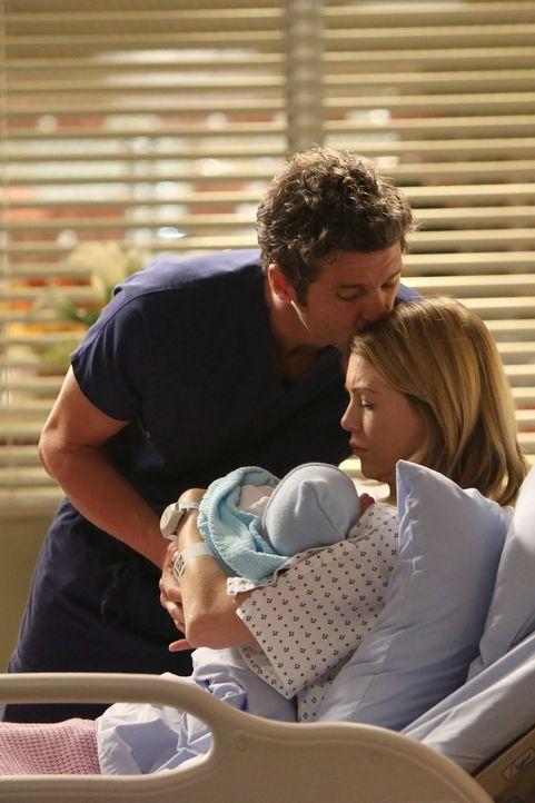 Die Nacht des Sturms hat auch Gutes mit sich gebracht. Meredith (Ellen Pompeo, r.) und Derek (Patrick Dempsey, l.) genießen ihr Elternglück ... - Bildquelle: ABC Studios