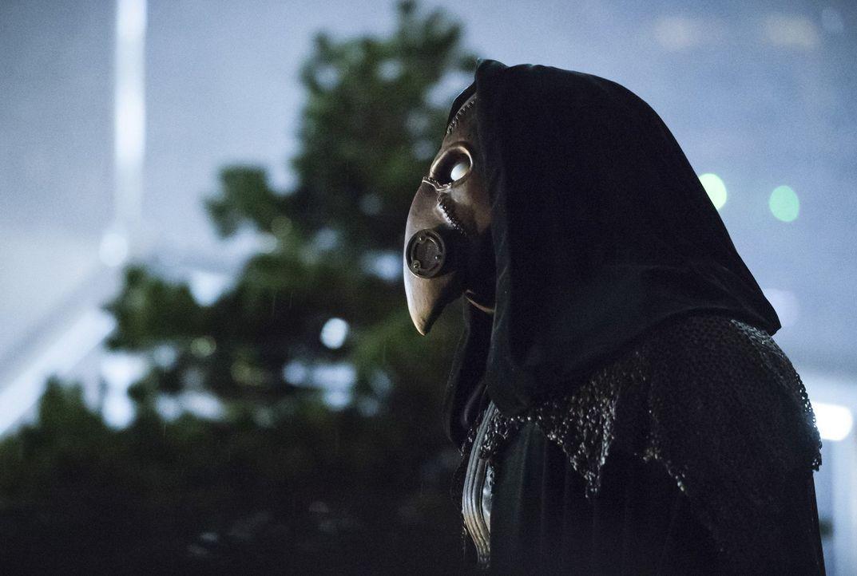 Erkennen Barry und seine Freunde, wer Dr. Alchemy (Tobin Bell) wirklich ist? - Bildquelle: 2016 Warner Bros.