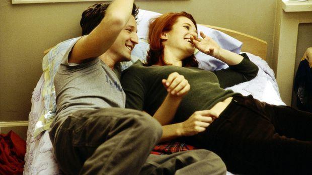 Das Liebesglück von Josh Porter (Breckin Meyer, l.) und Tiffany Henderson (Ra...