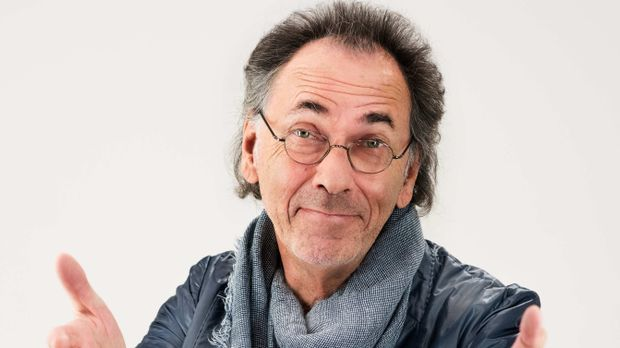 """Der Comedian Hugo Egon Balder kommt mit """"Genial Daneben"""" zurück"""