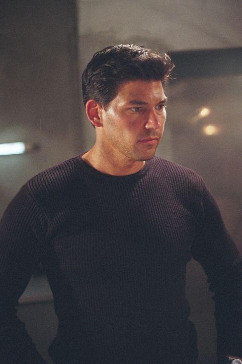 Als er erfährt, dass sein alter Freund Nick Carlton in Schwierigkeiten ist, will CIA-Mann Jim Jacobs (Dean Cochran) ihm helfen - auch wenn Nick mitt...