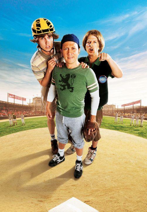 Wollen als Drei-Mann-Baseballmannschaft in der regulären Kinderliga einen Erfolg vermelden: Clark (Jon Heder, l.), Gus (Rob Schneider, M.) und Rich... - Bildquelle: Sony Pictures Television International. All Rights Reserved.
