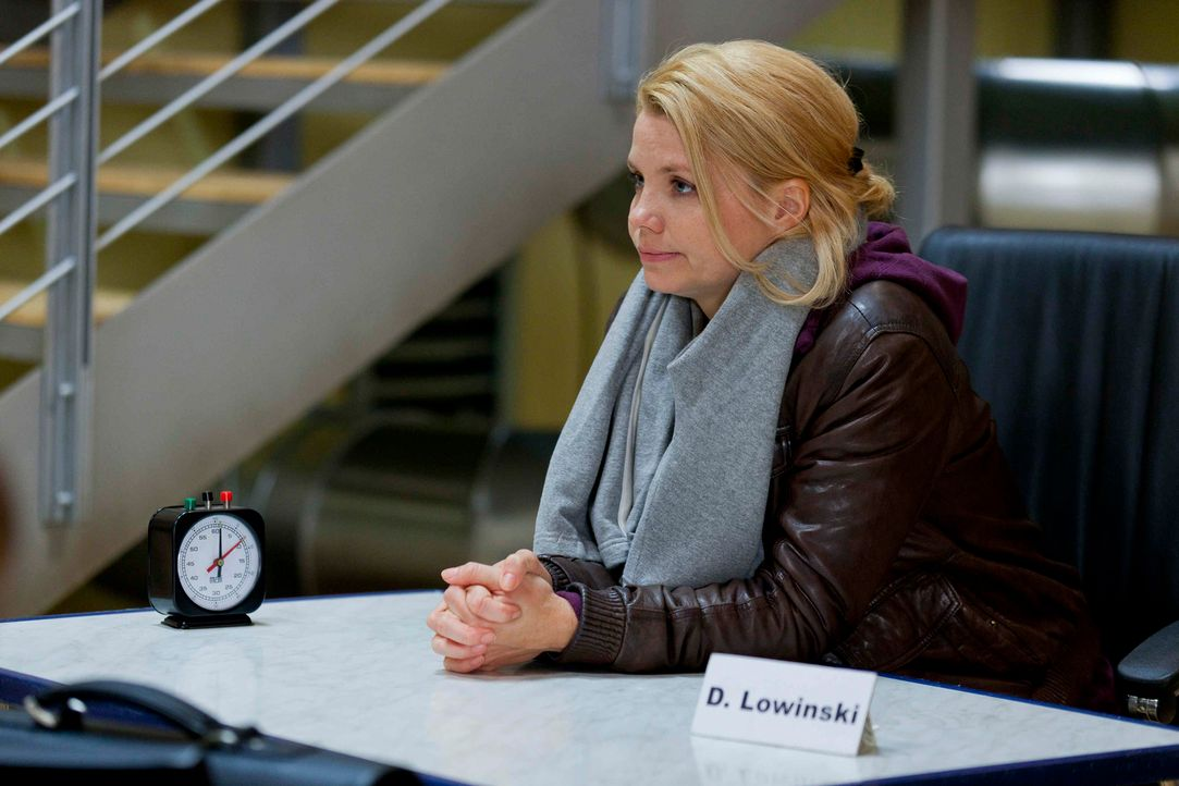Während Danni (Annette Frier) von Sven und Oliver einen Korb bekommt, da sie sich zwischen den beiden nicht entscheiden konnte, wartet ein neuer Kli... - Bildquelle: Frank Dicks SAT.1
