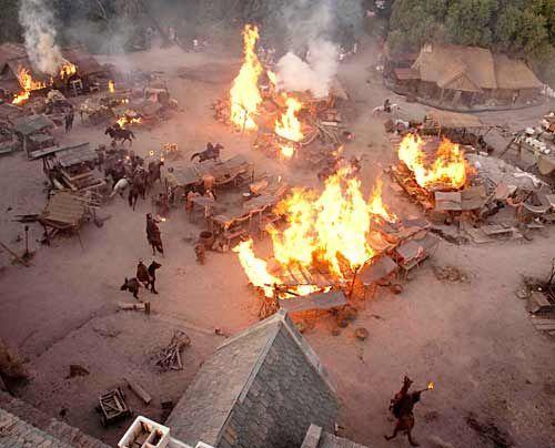 "Angriff auf Kingsbridge: Dreharbeiten zu ""Die Säulen der Erde"" - Bildquelle: Egon_Endrenyi_-_Tandem_Productions_-_Pillars_Productions"