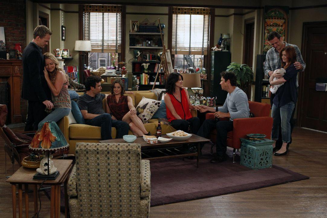 Sommer 2012: Barney (Neil Patrick Harris, l.) und Quinn (Becki Newton, 2.v.l.), Ted (Josh Radnor, 3.v.l.) und Victoria (Ashley Williams, 4.v.l.), Ro... - Bildquelle: 20th Century Fox International Television