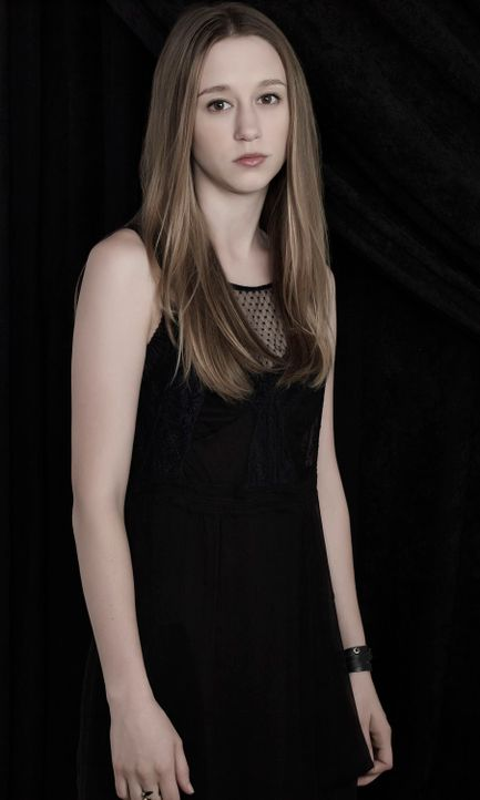 Taissa Farmiga als Zoe Benson - Bildquelle: 2013-2014 Fox and its related entities