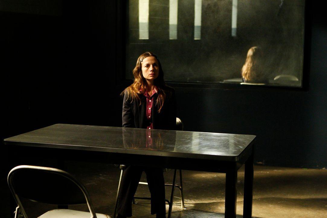 Bei den Ermittlungen in einem Mordfall, stößt das BAU-Team auf Margaret Mckenna (Justine Bateman). Doch hat sie wirklich etwas damit zu tun? - Bildquelle: ABC Studios