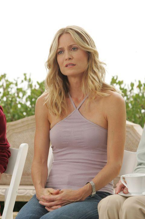 Kirsten (Kelly Rowan) ist in der Klinik und sitzt in einer Gesprächsgruppe mit anderen Alkoholikern. Durch die Therapie hat sie mittlerweile erkann... - Bildquelle: Warner Bros. Television