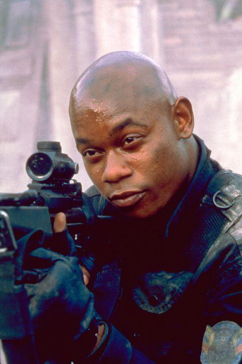 Im Visier gnadenloser Scharfschützen: Cole (Bokeem Woodbine) ... - Bildquelle: Columbia Pictures Corporation