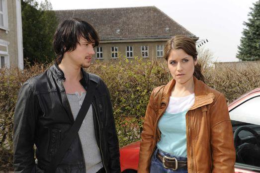 Hand aufs Herz - Bea (Vanessa Jung, r.) und Michael geraten mal wieder wegen...
