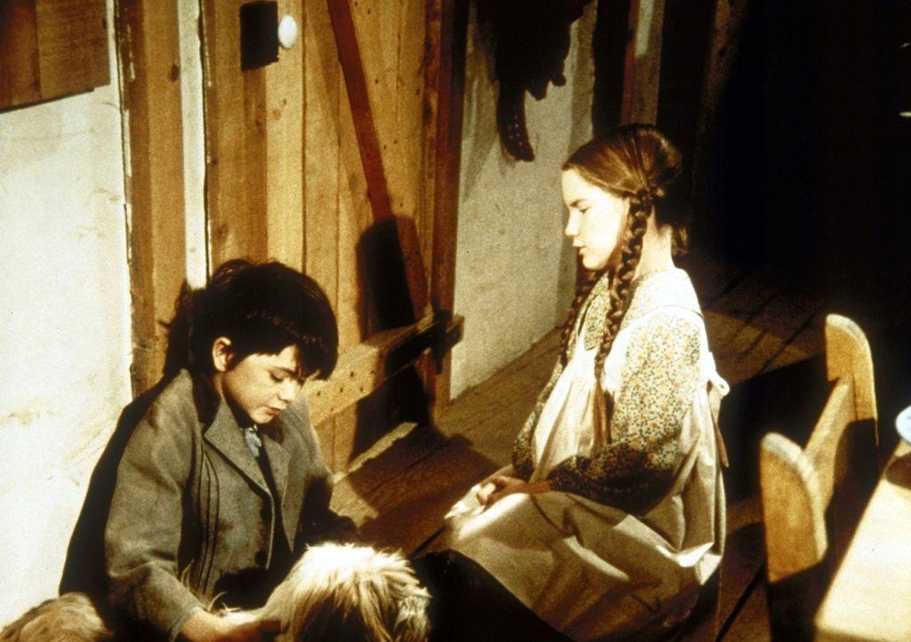 Laura (Melissa Gilbert, r.) will Graham (Johnny Lee, l.) trösten ... - Bildquelle: Worldvision