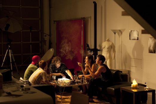 Roland Kuster (Bryan Jones, M.) ist in Hollywood ein bekannter Promi-Fotograf...