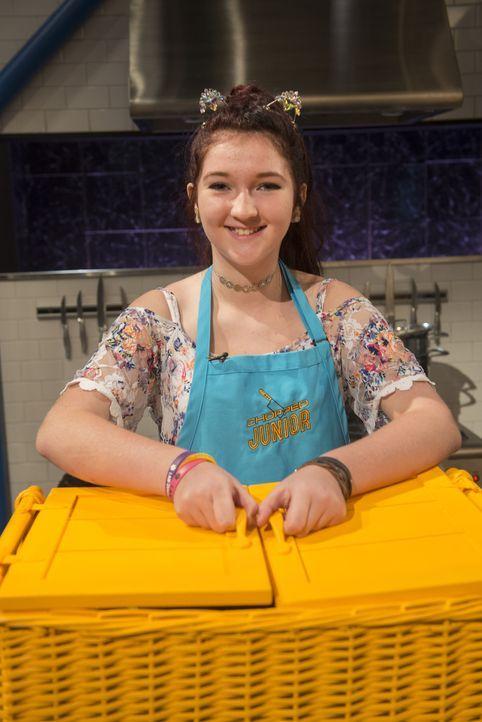 Kochen macht Bella mehr als glücklich, aber kann sie auch die Chopped-Jury mit ihrem Essen überzeugen oder wird sie es versalzen? - Bildquelle: Scott Gries 2015, Television Food Network, G.P. All Rights Reserved