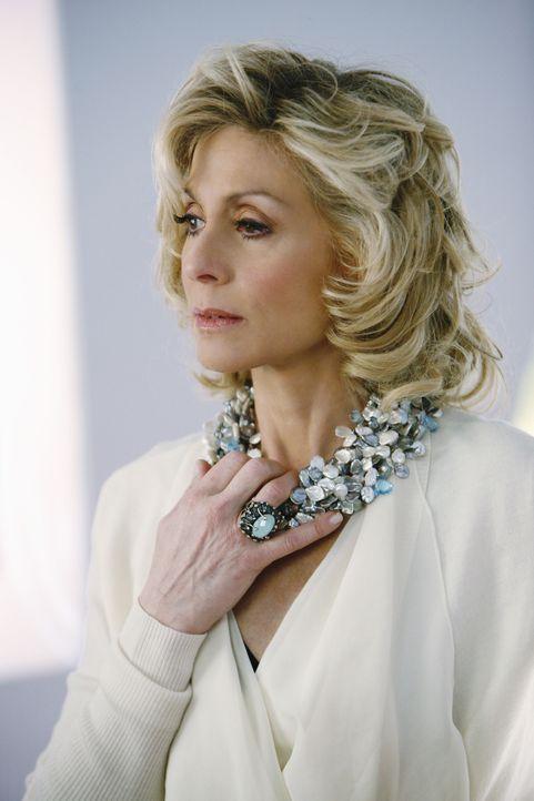 Claire (Judith Light) hegt eine besondere Beziehung zu Cal Hartley, dem neuen Förderer von MODE ... - Bildquelle: 2008   ABC Studios