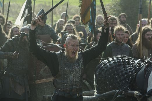 Bjorn (Alexander Ludwig, M.) und seine Brüder sorgen auf dem englischen Land...
