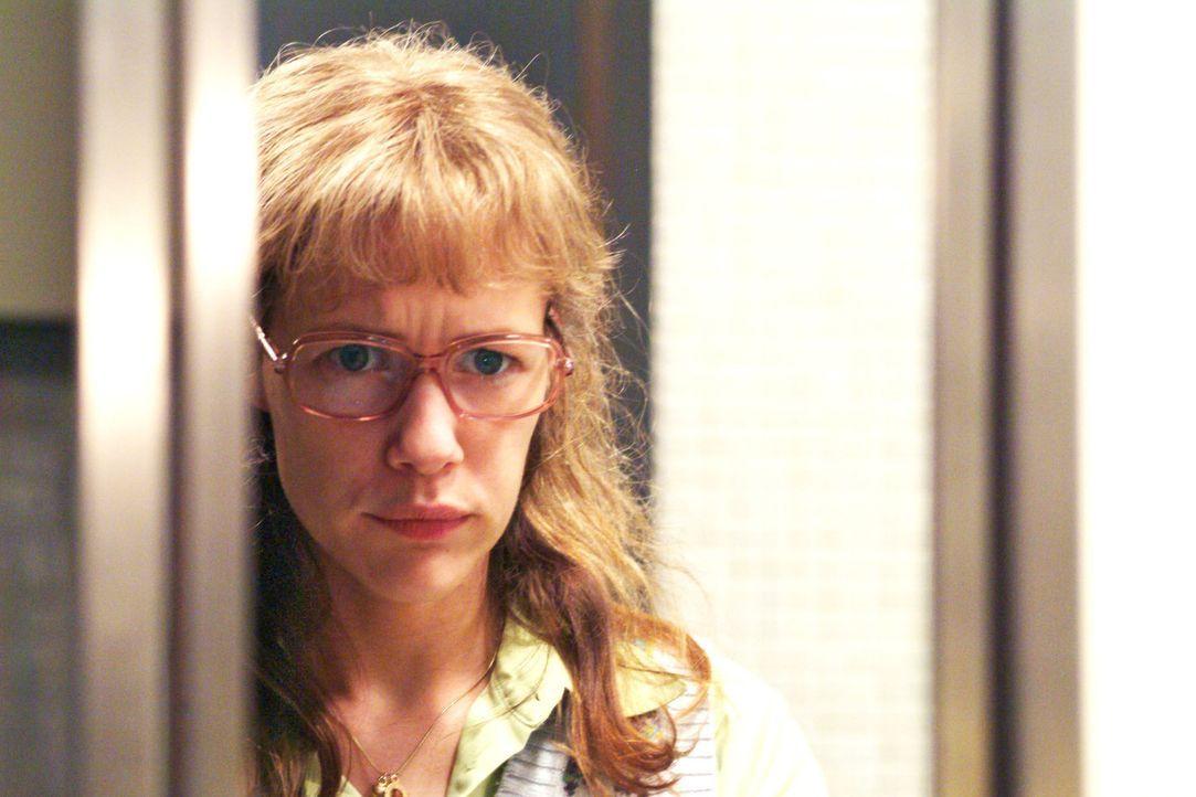 Lisa (Alexandra Neldel) ist von ihren Gefühlen zu David hin- und hergerissen: Kann sie ihm vertrauen oder wird er sie bald wieder schlecht behandeln... - Bildquelle: Monika Schürle Sat.1