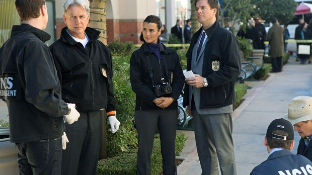 Ein neuer Fall wartet auf (v.l.n.r.) McGee (Sean Murray), Gibbs (Mark Harmon)...