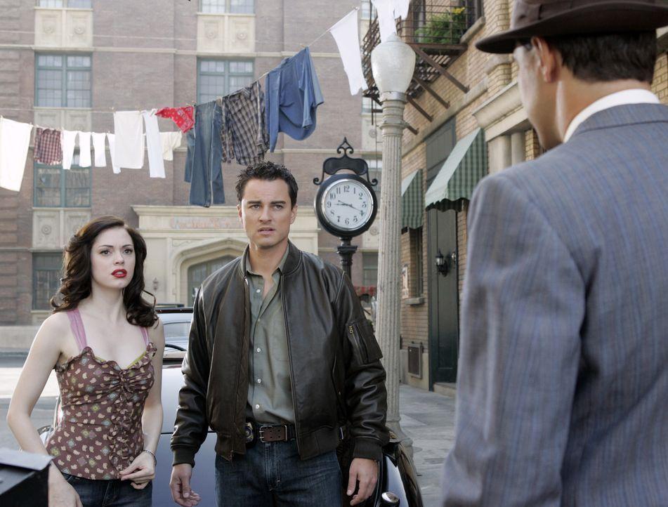 Im Kampf gegen das Böse: Brody (Kerr Smith, M.) und Paige (Rose McGowan, l.) ... - Bildquelle: Paramount Pictures