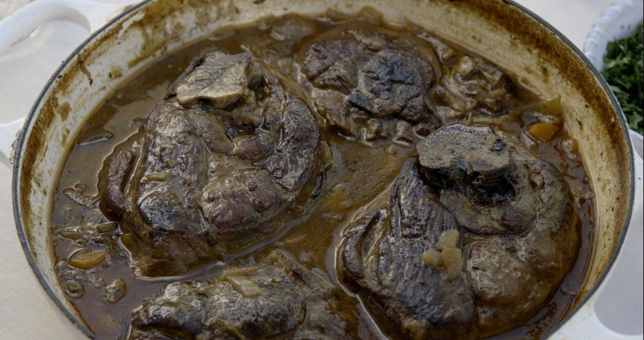 Ein echter Gaumenschmaus ist auch das leckere Lammgericht, dass Giada für sich und ihre Familie kocht  ... - Bildquelle: 2015,Television Food Network, G.P. All Rights Reserved