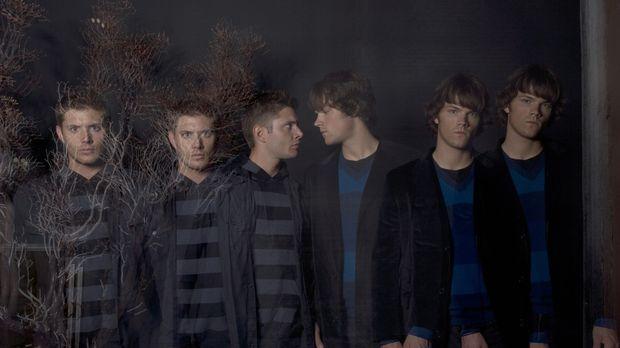 (2. Staffel) - Die beiden Brüder Sam (Jared Padalecki, r.) und Dean Wincheste...