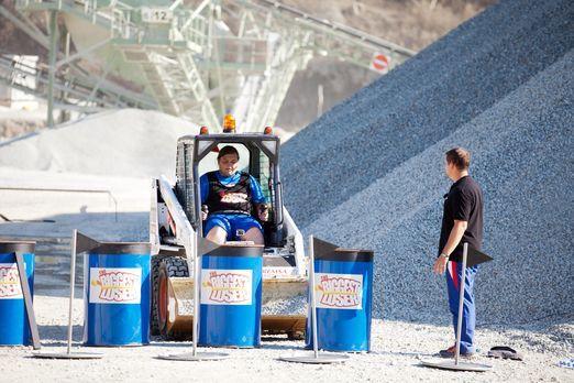 The Biggest Loser - Für Marc wird ein Traum wahr: er darf Bagger fahren. Alle...