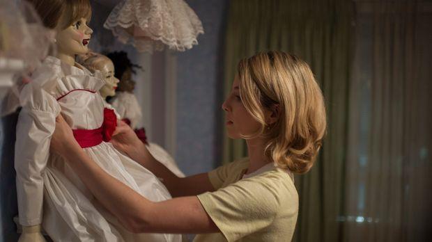 Von ihrem Mann bekommt Mia (Annabelle Wallis) eine Puppe geschenkt, die ihre...