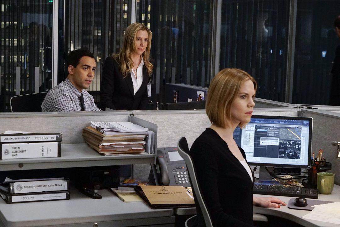 Als Ray Tracy kidnappt, müssen Ben (Victor Rasuk, l.), Janice (Mariana Klaveno, r.) und Vicki (Mira Sorvino, M.) alles geben, um sie lebend aus den... - Bildquelle: Warner Bros. Entertainment, Inc.