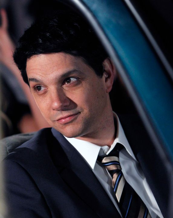 Ein Überraschungsgast für Barneys Junggesellenabschied: Ralph Macchio (Ralph Macchio) ... - Bildquelle: 2013 Twentieth Century Fox Film Corporation. All rights reserved.
